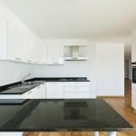 Loft a Salou, simple i funcional cuina i parquet
